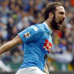 Chelsea, Arsenal, le Bayern et le PSG sont intéressés par Higuain, qui ne veut pas rester à Naples. (Sportmediaset) https://t.co/kAOxYP8bjY