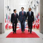 Prime Minister Trudeau welcomes @POTUS Barack Obama and President Peña Nieto in Ottawa. #NALS2016 https://t.co/0YVM6v6h8E