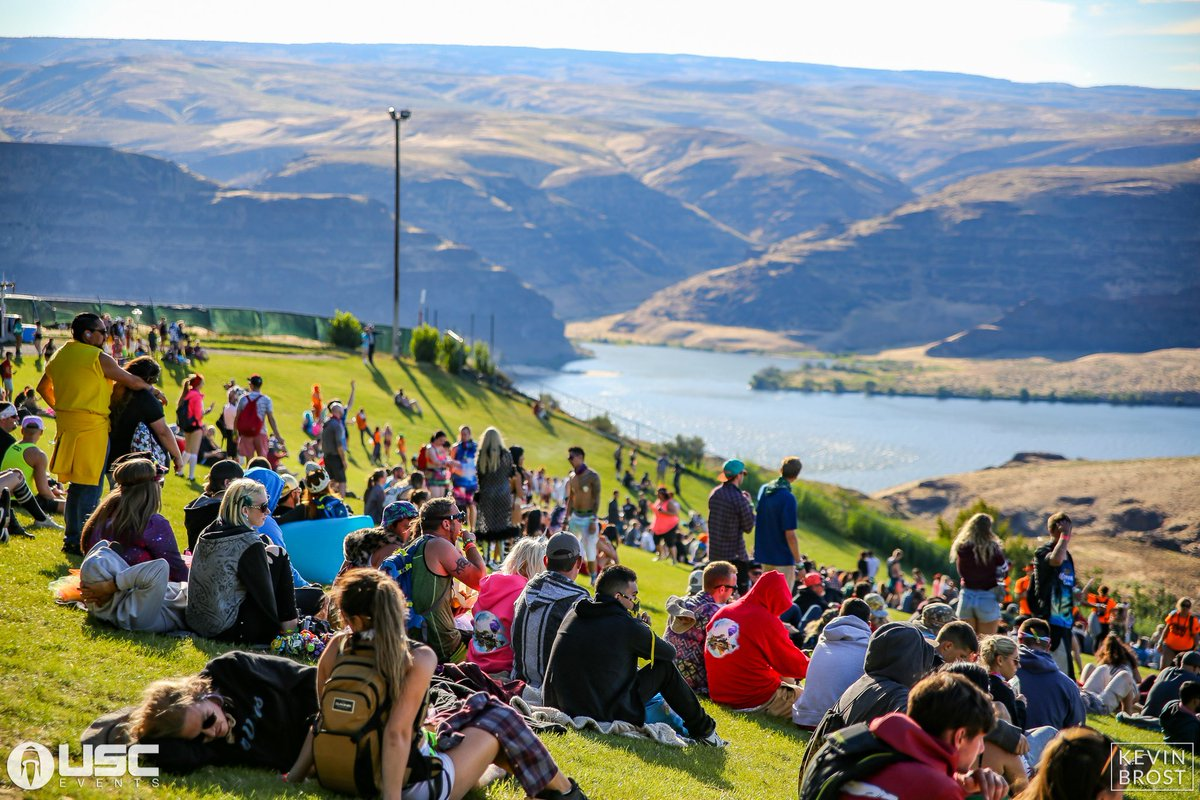 Who wishes they were at the Gorge on the Hill instead of at work? https://t.co/Hvtq4tqrXn