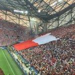 Vaya bandera 🇵🇱 que han sacado unos cántabros en la #EURO2016 😱  Ah no, que ha sigo gol de Polonia - Lewandowski 😂 https://t.co/8Z49T5sw3b