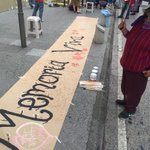 El colectivo @HijosGuatemala presente en las calles recordando la memoria de los desaparecidos. https://t.co/LjwFAkERg2