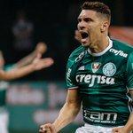 Esmagador em casa, Palmeiras goleia Figueirense e segue firme na liderança https://t.co/OYpOIJ4A3F https://t.co/F65DUxQGq3