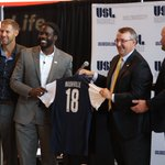 A historic day for #Nashville. Its your town. Its your team. #USL2MusicCity @USLNashville18 @NashvilleFC https://t.co/wCb9snHByI