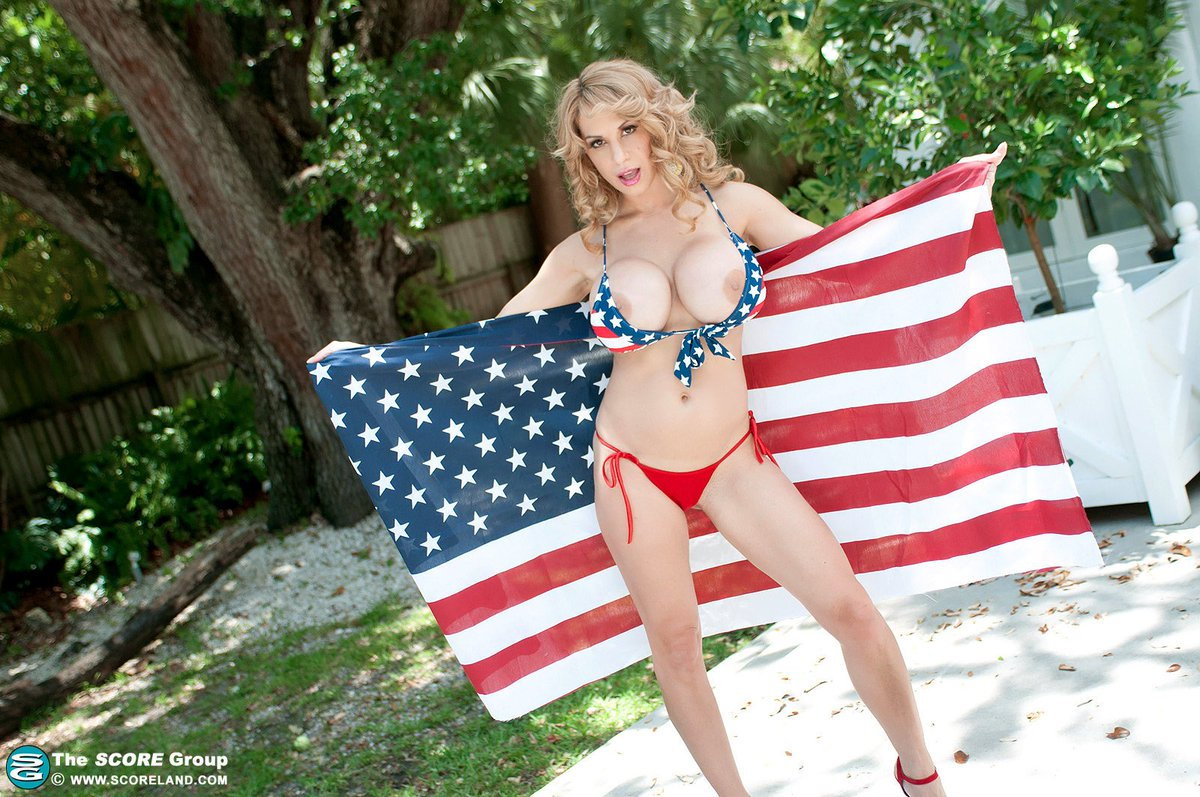 Happy 4th of July! ??? #IndependenceDay  Picture from cFuZGc6pYu