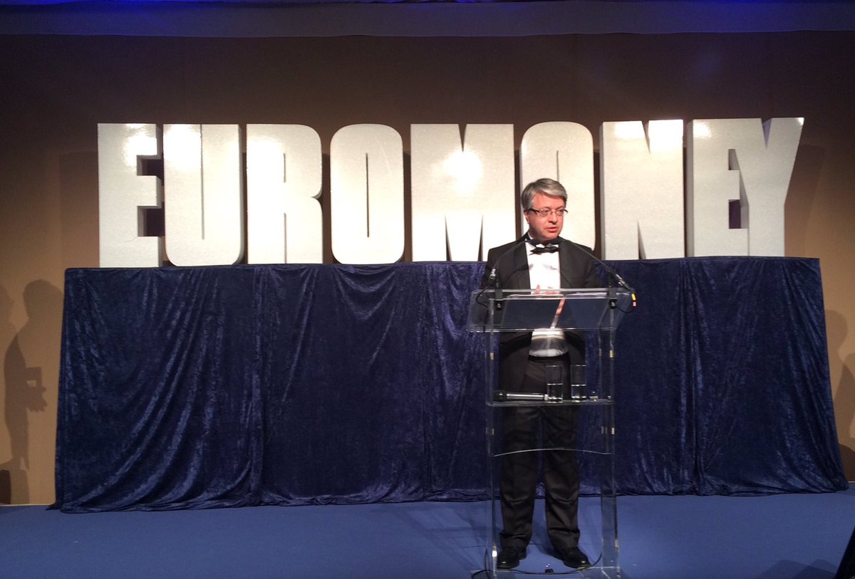 Jean-Laurent Bonnafé our #CEO on stage for the Best Bank 2016 award by @euromoney #EuromoneyAfE https://t.co/MbLzsG7puO