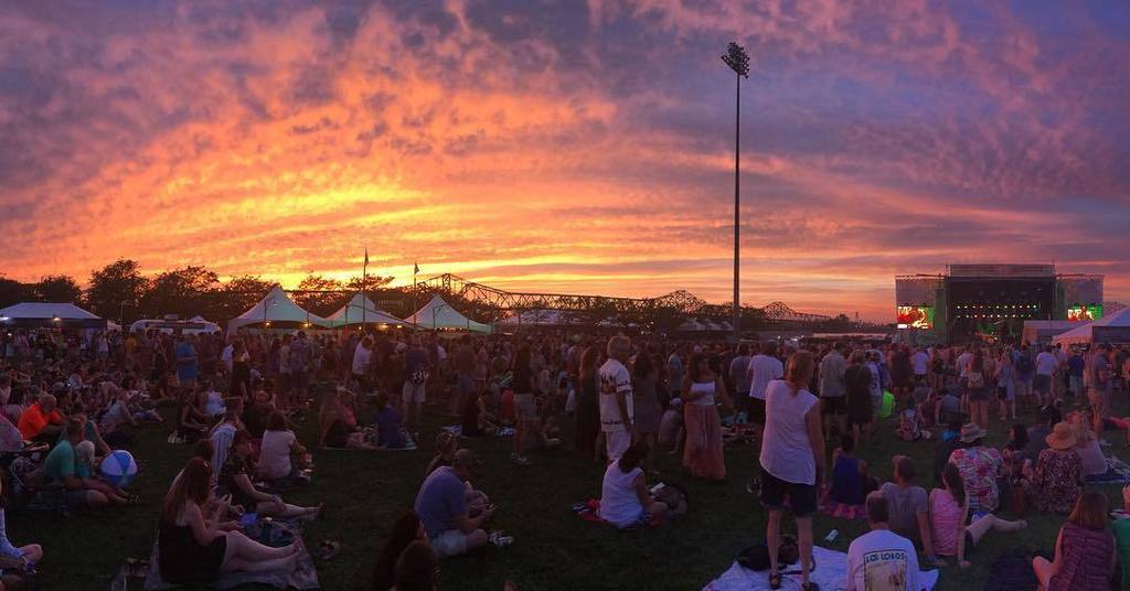 Sunset at #forecastle is a beautiful thing! . . . #lovelouisville #sharelousiville #localc… https://t.co/VroDzy74nD https://t.co/oB4ZHSf1Zm