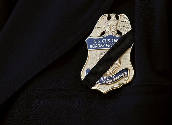 Our thoughts are with the families, friends and fellow officers of the fallen and injured #BatonRouge officers. https://t.co/teZSb4AyIA