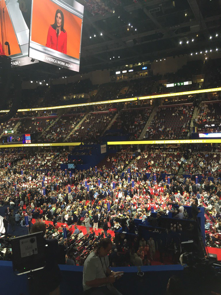 I've been to 18 conventions and this is first where aisles on floor are clear  and galleries half full at best. https://t.co/4plse1pX0w