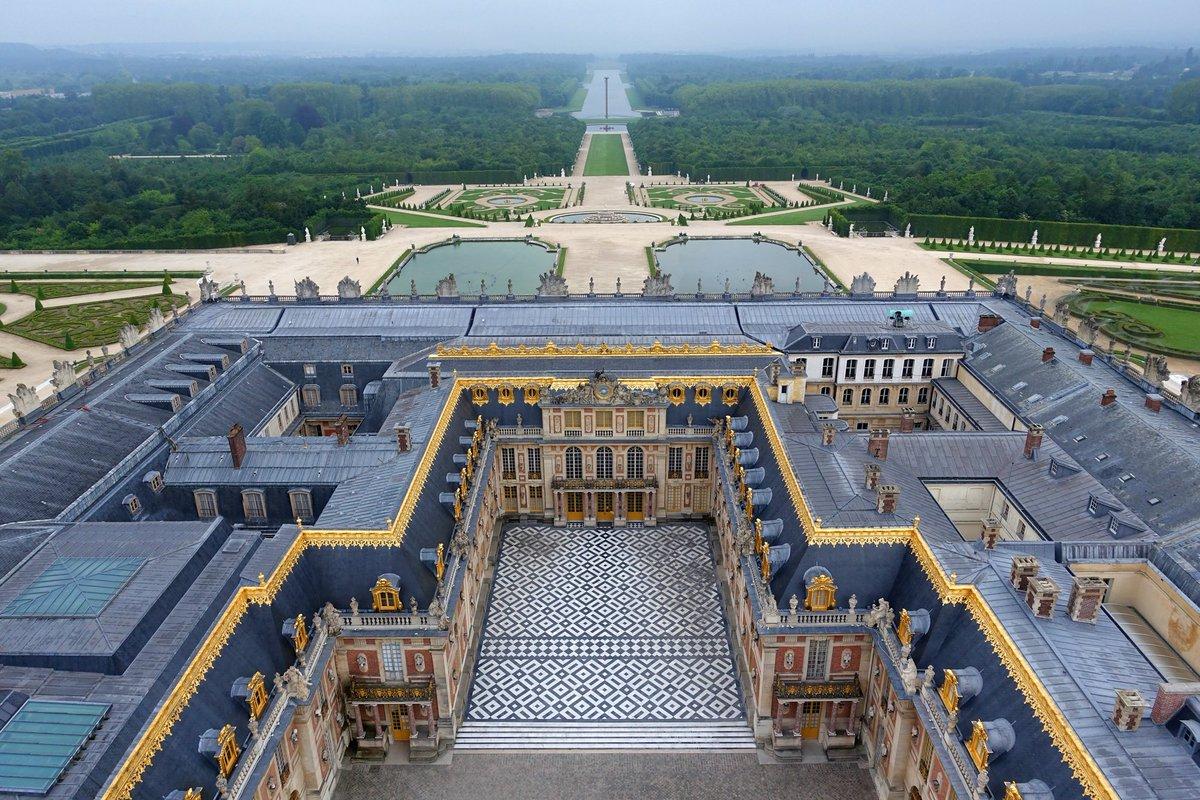 Brume matinale sur le domaine de Versailles / Misty morning on the Versailles' estate https://t.co/Ponsd2V9uL
