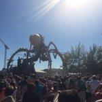 #Nantes dernière sortie de l araignée. Petit moment de poésie. https://t.co/HWslooai2E