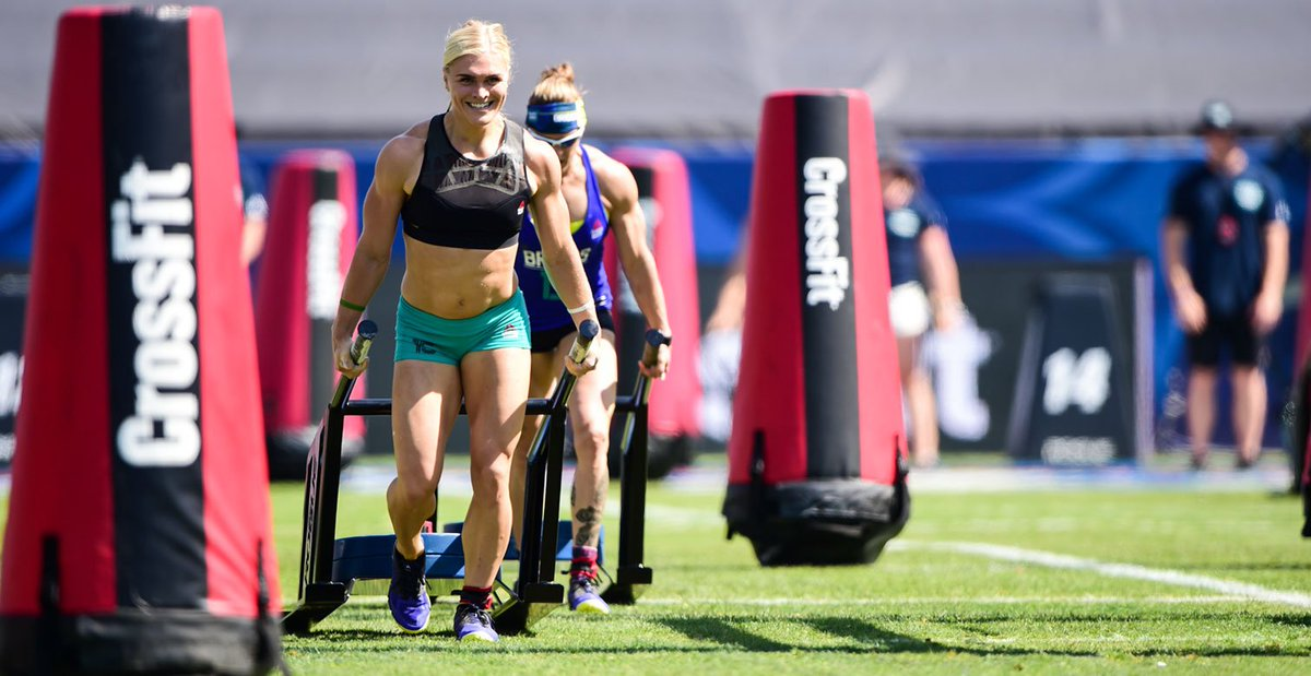 Female competitors in #CrossFitGames are insane athletes. Watching this competition for the first time & blown away. https://t.co/xQxWk32rb1