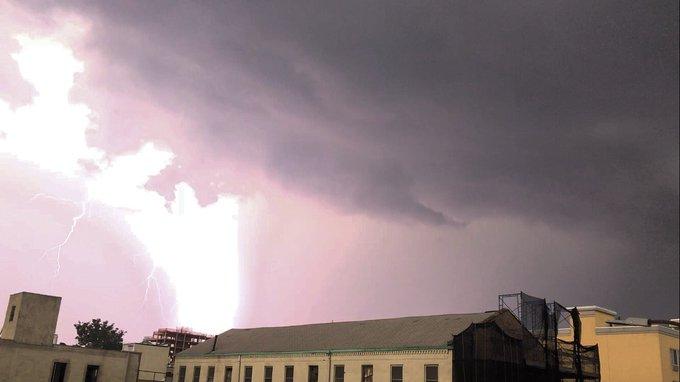Pat Kiernan @PatKiernan: RT @Janellaboo: @patkiernan @NY1 @NY1weather pics from today's storm. Mother Nature's feels from gowanus park slope! https://t.co/kM70Bwi0LK