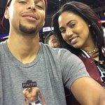 📸 @ayeshacurry & @StephenCurry30 courtside to support the @USABasketball #USABMNT! https://t.co/StKv2UccXP
