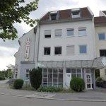 Baden-Württemberg: Flüchtling prahlt mit IS-Kontakten – Razzia https://t.co/7zrTLbhgud https://t.co/qNDVZqt1NT