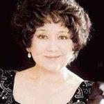 500RT:【訃報】ピアニストの中村紘子さん死去 72歳 https://t.co/IcKjgPZxFA 大腸がんのため都内の自宅で死去した。亡くなる前日が誕生日で、新しい奏法を試すのだと、最期までピアノに情熱を燃やしていたとい… https://t.co/Xf77rKU2bM