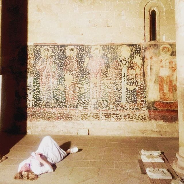 One way to study a fresco in the 12th Century Abbazzia St. Maria de Cerrate ????????????????❣ https://t.co/a5uPqjvwCJ