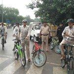 .@gurgaonpolice commissioner @nsvirk (right) hits road to check traffic, waterlogging #gurgaonrains @HTGurgaon https://t.co/F2n7IV155K