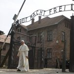 Pope Francis visits former death camp of Auschwitz on third day of his Poland visit https://t.co/IjvXZWXUDL https://t.co/ZAXwEpP2Of