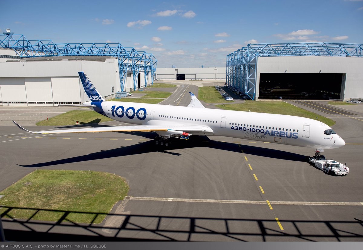 A picture is worth a thousand words: say hello to the first #A350-1000 test aircraft! #avgeek https://t.co/Sd6JECm5mT