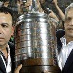 Reinaldo Rueda recibe camioneta por ganar la Copa Libertadores. https://t.co/7P8HN49vcr https://t.co/GTOFMBlqTF