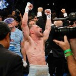 #andthenew Frampton wins by majority decision to capture featherweight title! @RealCFrampton https://t.co/LTsEHG596p