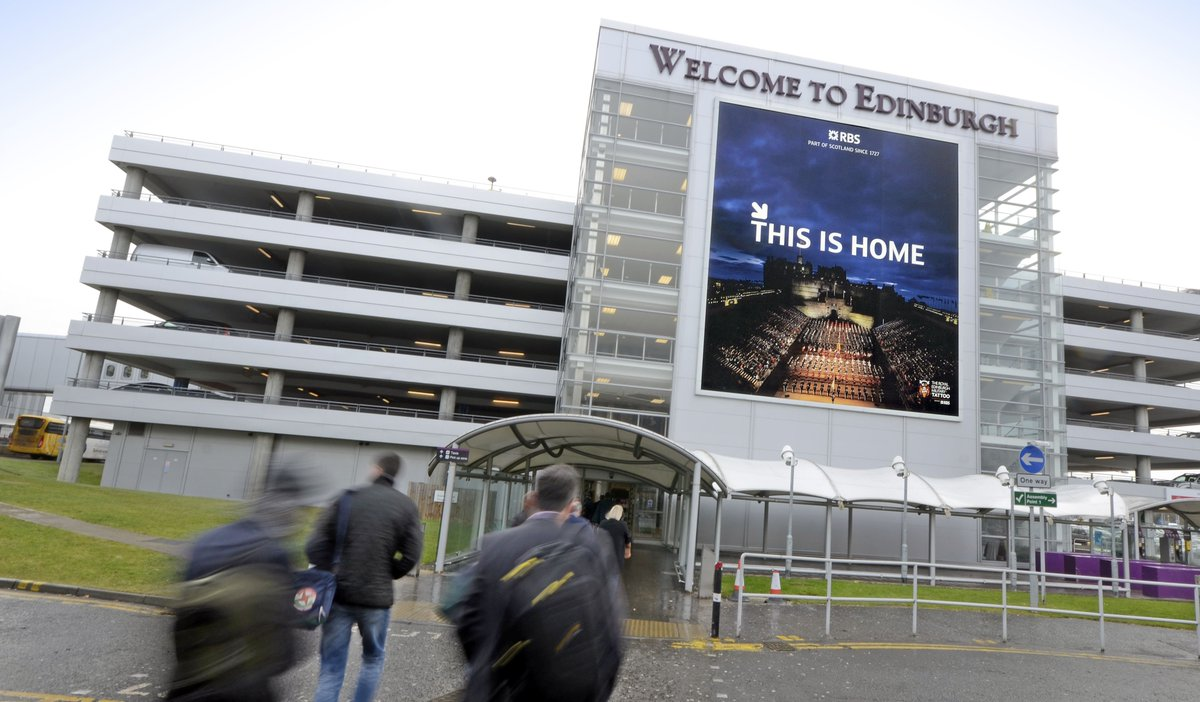 RT @JCDecaux_UK: Want to see your art on this huge site @EDI_Airport? Enter the @RBS BIG art competition here https…