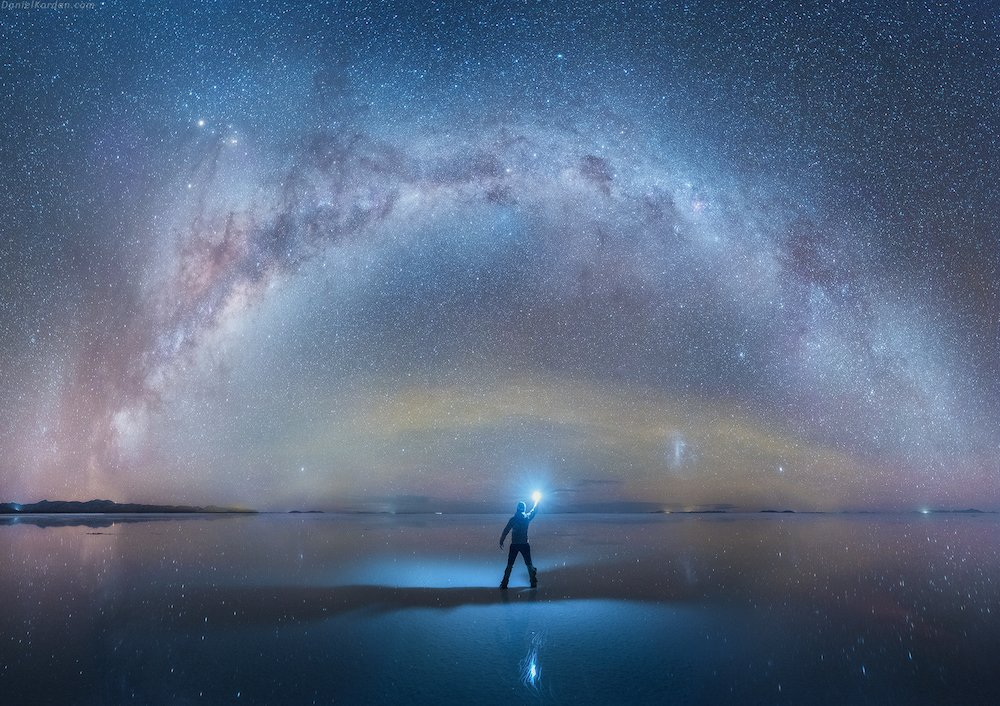 Extraordinary images of the Milky Way reflected onto the largest salt flat in the world by Daniel Koran. Wow. https://t.co/E829IyJSrf