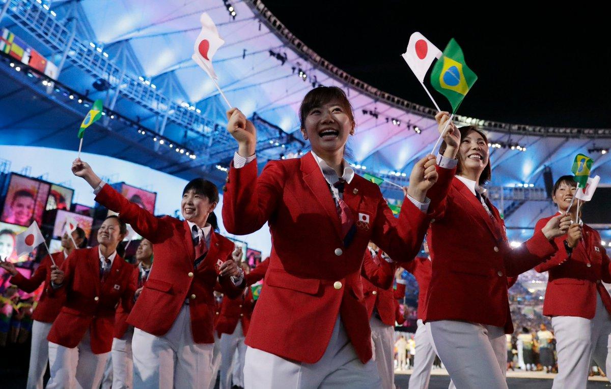 リオデジャネイロオリンピックが開幕!5日の開会式では右代啓祐旗手を先頭に、日本代表選手団が笑顔で入場…