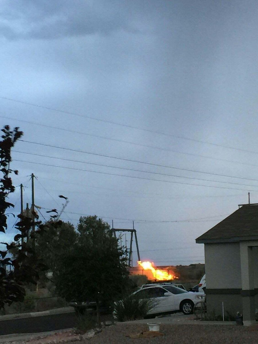 Photo of a fire at the transformer on Unser north of Ladera. https://t.co/VLVk0jhDvr