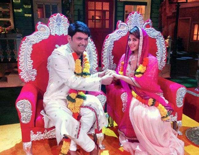 .@Asli_Jacqueline 'marries' .@KapilSharmaK9 on the sets of #TheKapilSharmaShow   https://t.co/dYwvmV0yHf https://t.co/6RT5qXowHG