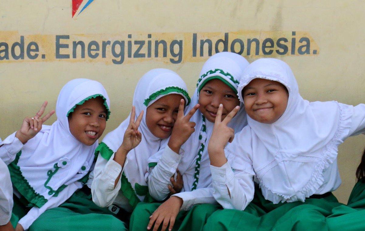 RT @wavesforwater: These girls get it — ✌????️ | #w4w #w4windonesia #peace https://t.co/BqfjjuM11l