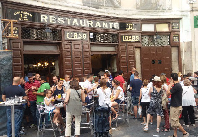 Perfect Sunday in Madrid: Rastro fleamarket + tasty tapas!