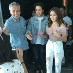 KathNiel with Mr. Jim Paredes 😍 So fresh babies 😍 #ElyAndMiaASAPGoNaGo #PushAwardsKathNiels https://t.co/ybporpZcXL
