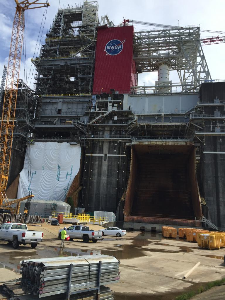 The B-2 Test Stand, once used to test the Saturn 1st stage engines, will also test the SLS core stage! #NASAMarsDay https://t.co/LWFE91SUsm