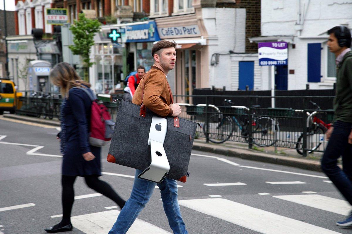 Con l'iMac 27″ sulla spalla, andiamo a comandare! https://t.co/YHJv5FT9NN https://t.co/yKSDlePBkd