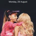 Ariana x Nicki lockscreen ⛱ rt or ask if you want it 🎀 must be Following ⭐️ #VMAs https://t.co/xNHNIL5u27