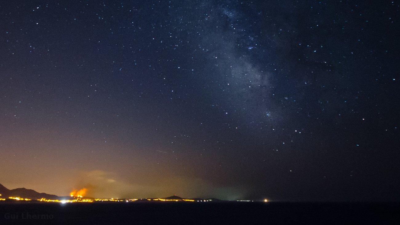 Panoramas nocturnos q no deseaba ver. Triste!! #Galicia @fotodng @fotomex @hacerfotos @TweetsGalegos @PlanetarioMad https://t.co/BCWp5X50Mv