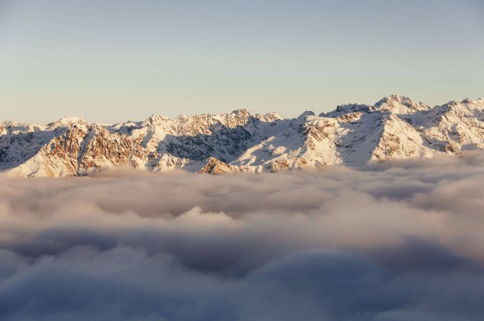 """CreativeLive @creativeLIVE: """"Clear your head and get above the clouds."""" - @chasejarvis +"""