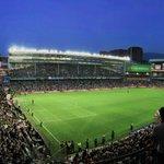 Panoramica del antiguo @estadiosanmames en su ultima noche - @AthleticClub @BilbaoHiria @tweetzurigorri @Iratzar https://t.co/ik1jYlx9XM