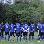 📷⚪️🔴 Con una charla de @ChiquiArceDT a los 27 futbolistas albirrojos, se inició hoy la práctica en Ypané 💪🏼🇵🇾⚽️ https://t.co/d8RxbbfaGp