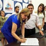 Firma de convenio para tres escenarios deportivos #Bolivarianos2017 https://t.co/mBNKaHF3Jr