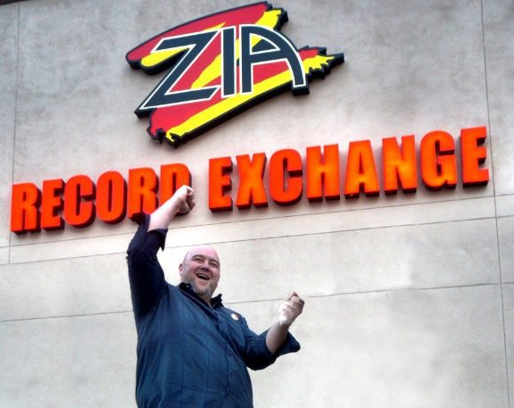 In memory: Brian Faber of Zia Records, September 9, 1970-September 4, 2016 | https://t.co/tO8xaK4ZS7 https://t.co/3eFiOEQPmO