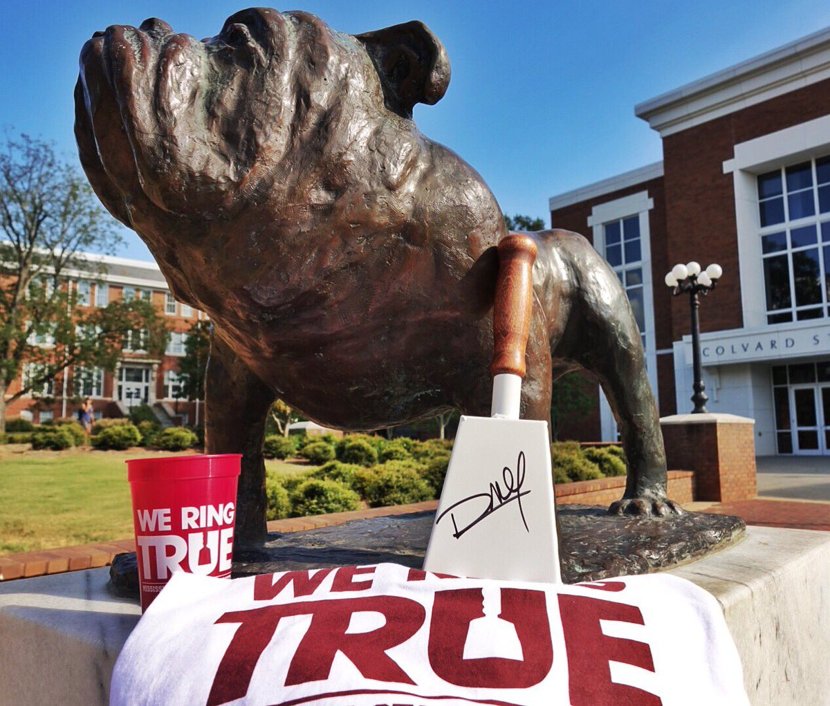 Do you RING TRUE? Retweet this post for a chance to win this week's #WeRingTrue gear! Winner to be drawn Friday. https://t.co/NA02G7R4u1