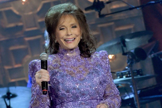 Loretta Lynn Postpones Upcoming shows Under Doctor's Request https://t.co/ZjOYG7vV1L