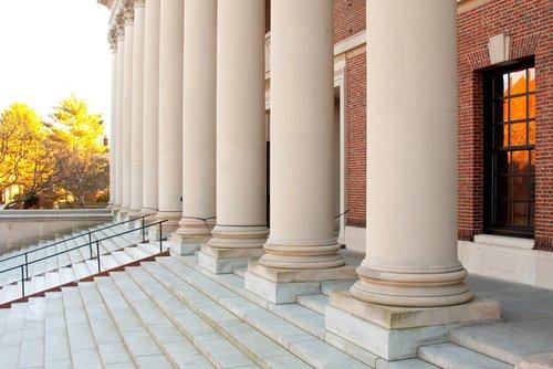 Digitalizan biblioteca de Harvard para que público pueda accederla de forma gratuita https://t.co/Sbp2RNAwqi https://t.co/4F2mv0C5an