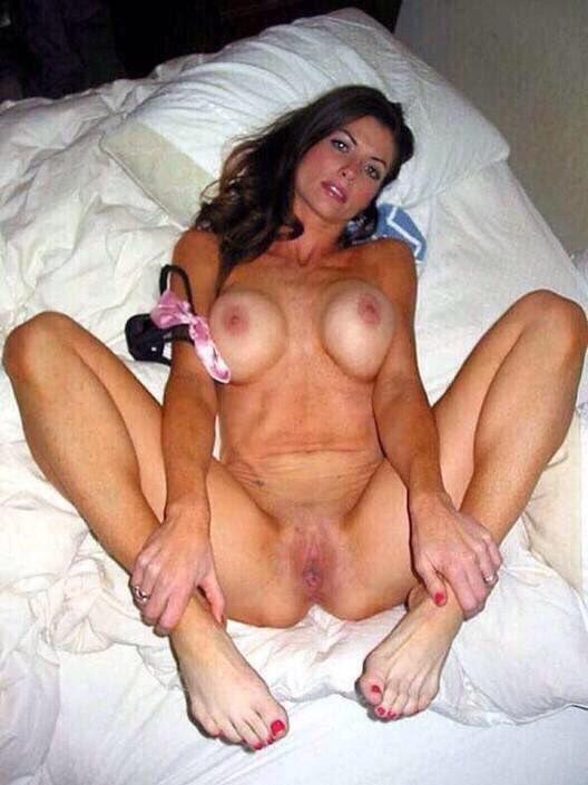 RT if you're horny and https://t.co/5YjKFPtF88 sign up to see more pics #promoted https://t.co/4FOmWaBiKA