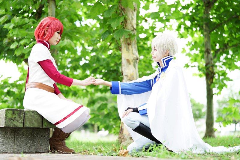 8月末TFTの赤髪の白雪姫合わせの写真ー!!色々撮影していただいたのですがとりあえず2枚。ゼン:未緒さん 撮影:落葉さん