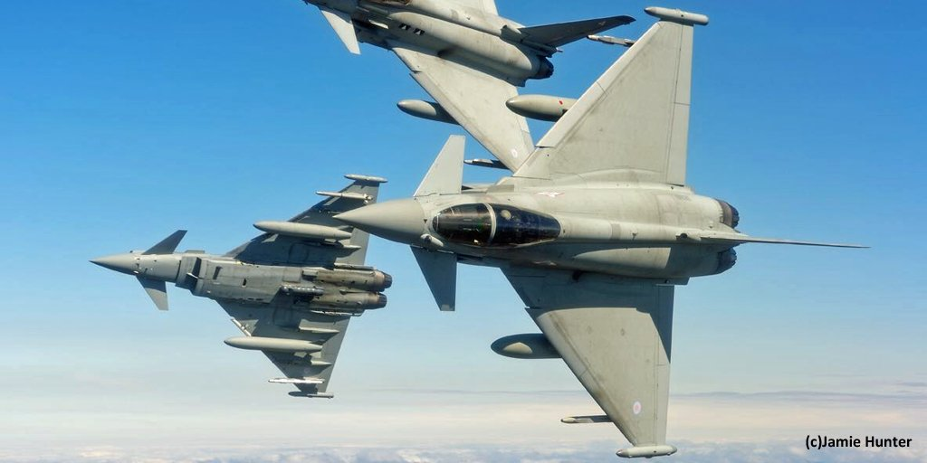 【日英戦闘機共同訓練開催】10月中旬~11月上旬に @JASDF_PAO 三沢基地とその周辺空域で行われ、 @RoyalAirForce 所属のタイフーン戦闘機4機等が初来日。詳細⇒https://t.co/avxccZOIEG https://t.co/bPIWYmGKRi