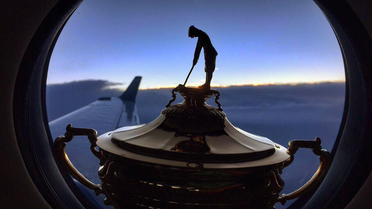 Bringing The Cup to The KING! https://t.co/v8HnlFokkU