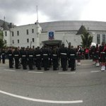 Regiment assembled in front of the Seaforth Armoury #OpHighlandHomecoming #Vancouver https://t.co/W4Ti0vyhLS
